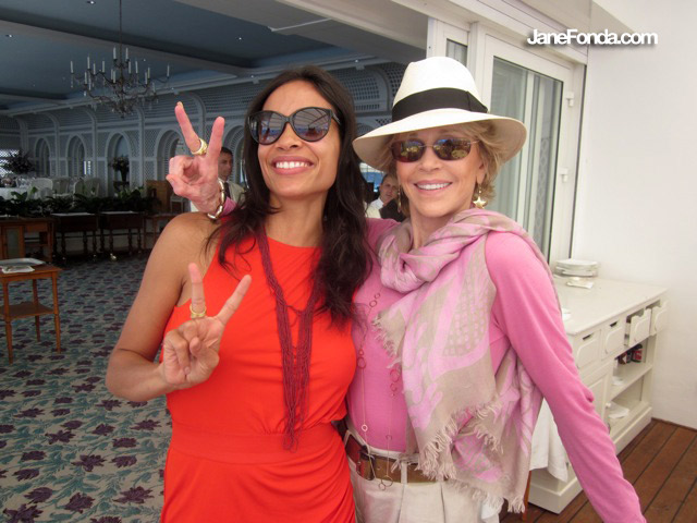 Rosario Dawson was having lunch on the terrace. We're on the board of Eve Ensler's V-Day, a global effort to stop violence against women and girls. Rosario is one swell, fierce lady!!