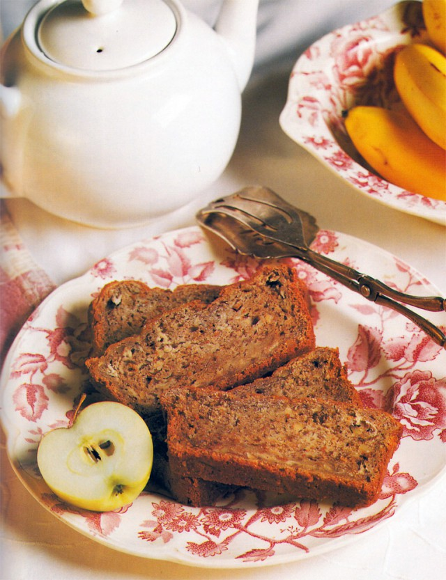 AppleWalnutBread