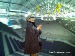 uofm-jf-in-virtual-reality-cave-web