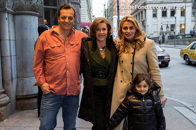 Jane-Gabriele-Muccino-wife-daughter-web
